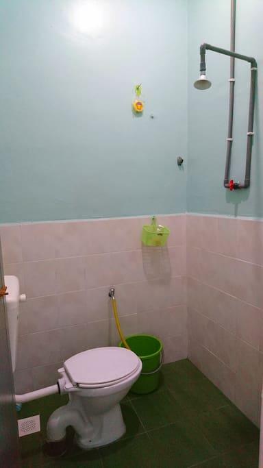 1 bathroom.