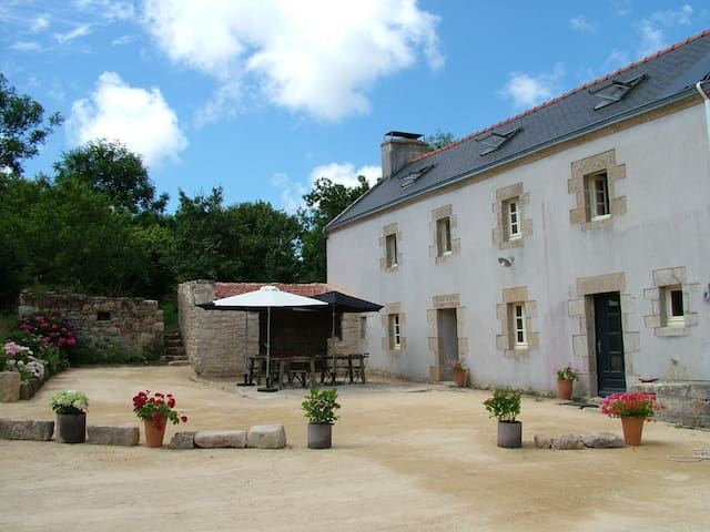 Grande maison - large farmhouse for a group - Beuzec-Cap-Sizun
