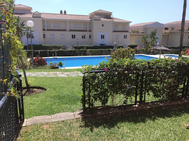 MARBELLA EAST CABOPINO BEACH /GOLF - Marbella - Apartment