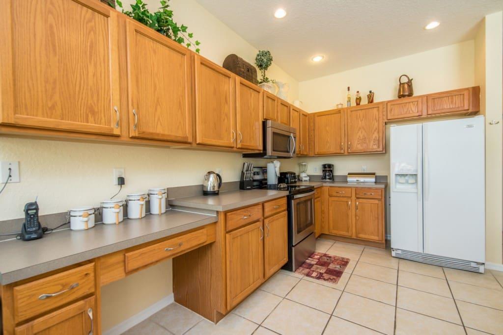 Indoors,Kitchen,Room,Cabinet,Furniture