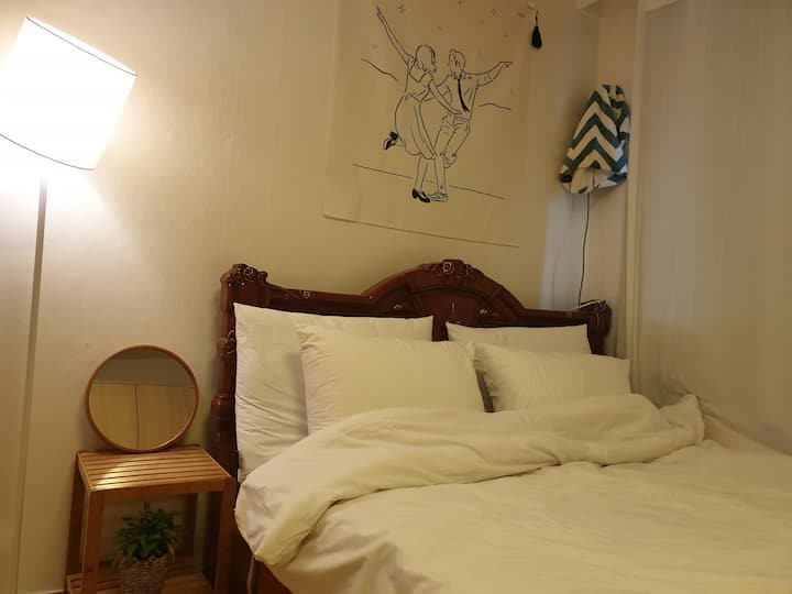 Wood room(for 2), Private room near Sinsa station