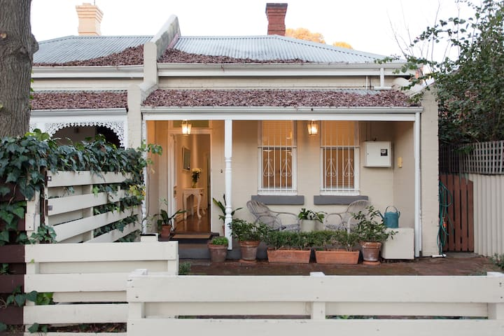 Gorgeous & super central Subiaco cottage
