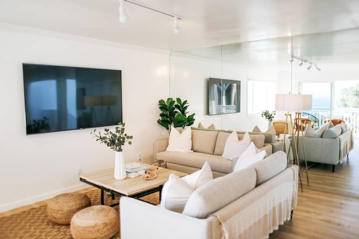 The Hill House by the Sea, Newly Renovated, Unit A