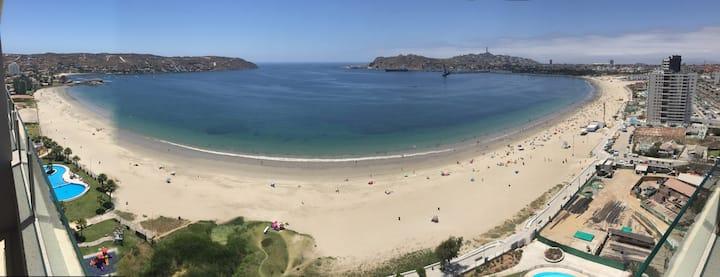 Departamento en la playa Herradura con spa.