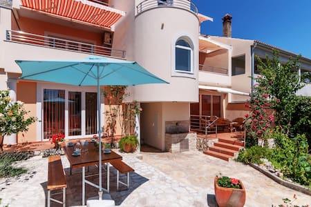 Apartment Pergula by Villa Jadranka - Privlaka