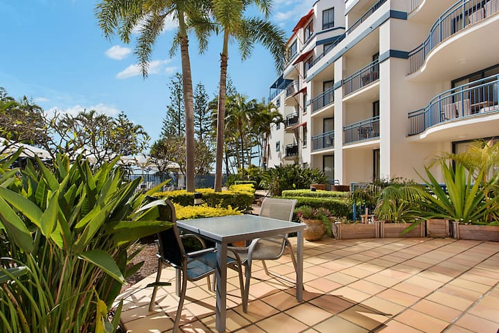 Calypso Plaza Resort Unit 137 - Studio room in central Coolangatta