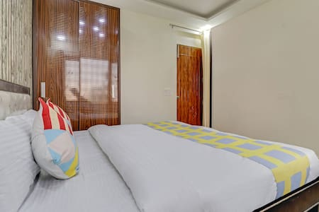 OYO Exotic 3BHK Stay Near Canal Road