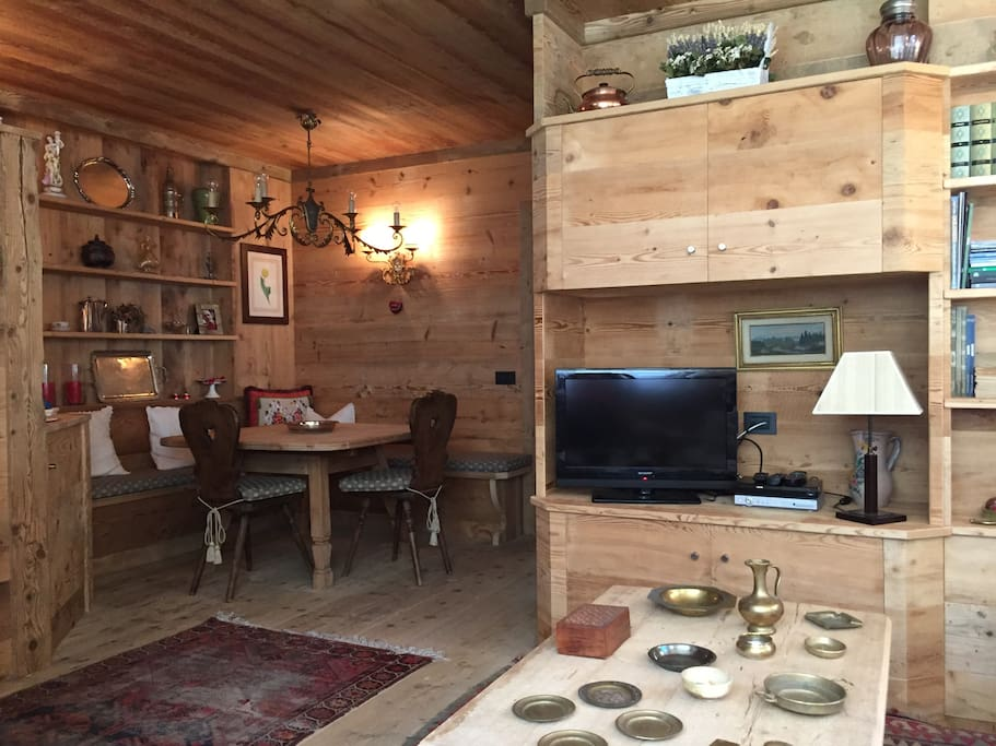 Deliziosa casa nel bosco di pocol appartamenti in for Appartamenti in affitto a belluno arredati