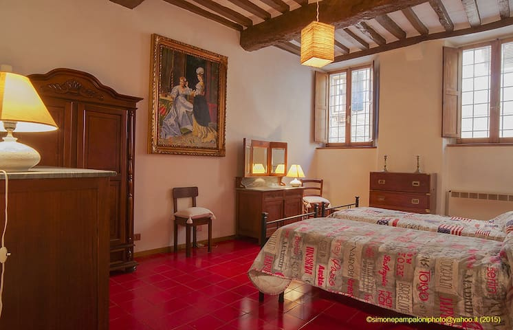 Unique flat inside a 15th century ancient palace