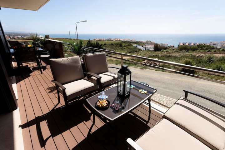Ericeira Sun (Pool & Sea View)-Families & Couples