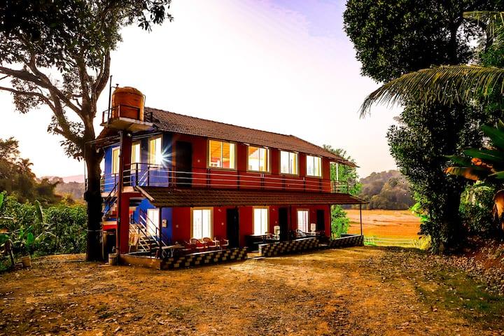 4 bedroom Homestay |RiverSide|Greeny |Chill Breeze