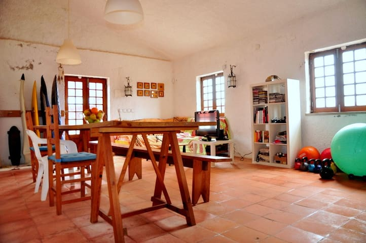 Double Room- Red house Peniche