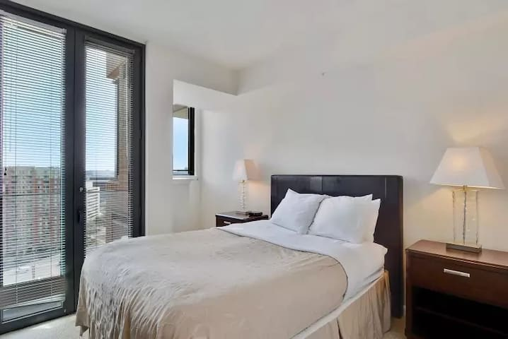 ✦ Upscale Luxury Modern Condo near Washington DC ✦