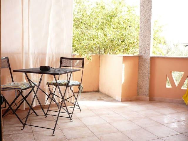 grazioso appartamento in villa Pesca - San Teodoro - Appartement