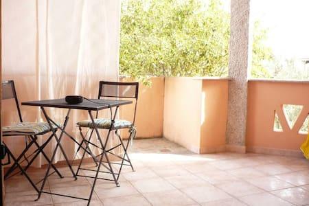 grazioso appartamento in villino - San Teodoro - Appartement