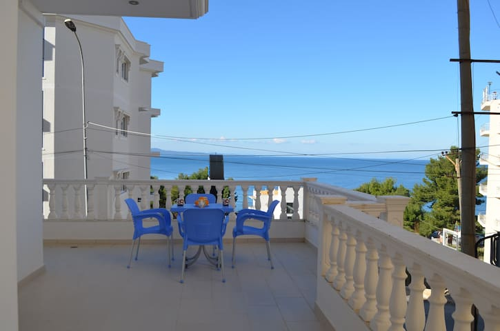 Holiday Apartment With Big Balcony - 150