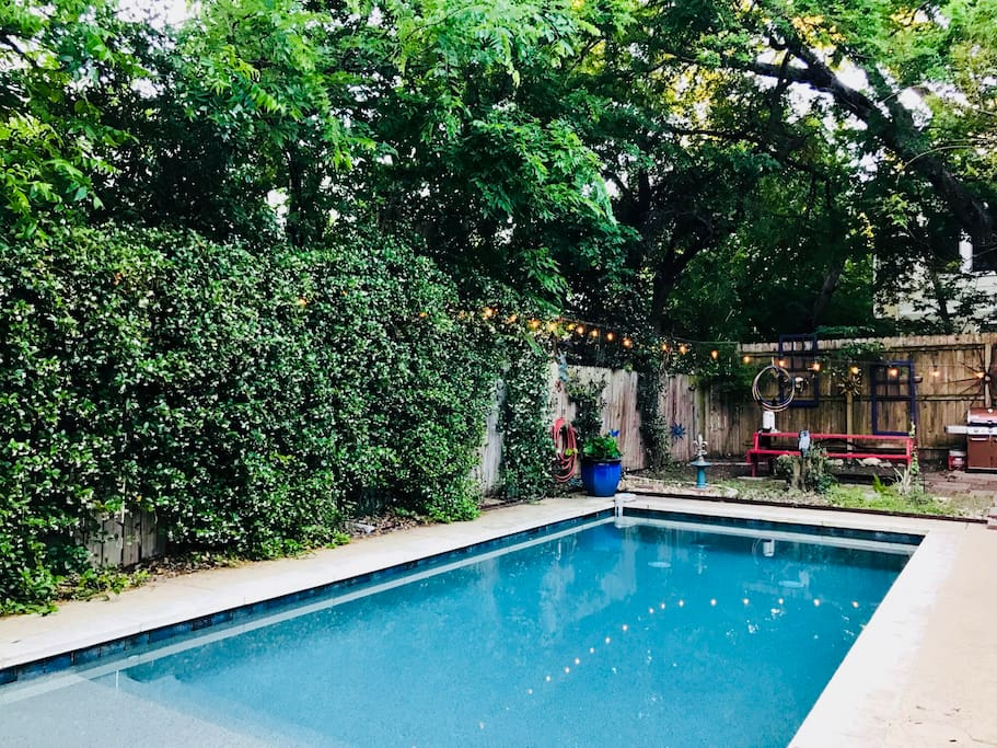 """One of my favorite Airbnb's in Austin. I would highly recommend it."" - Tim, Jan.'18 *****"