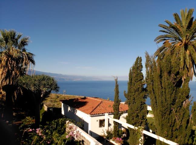 Vistas sobre el acantilado - Mesa del Mar - House