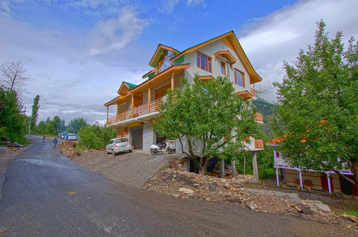 Country Cottage Manali, Luxury Cozy - Kullu - Villa