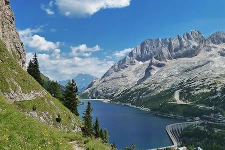 Dolomites Tabiè Palue Marmolada