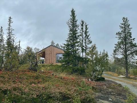 Moderne Hütte in schöner Umgebung