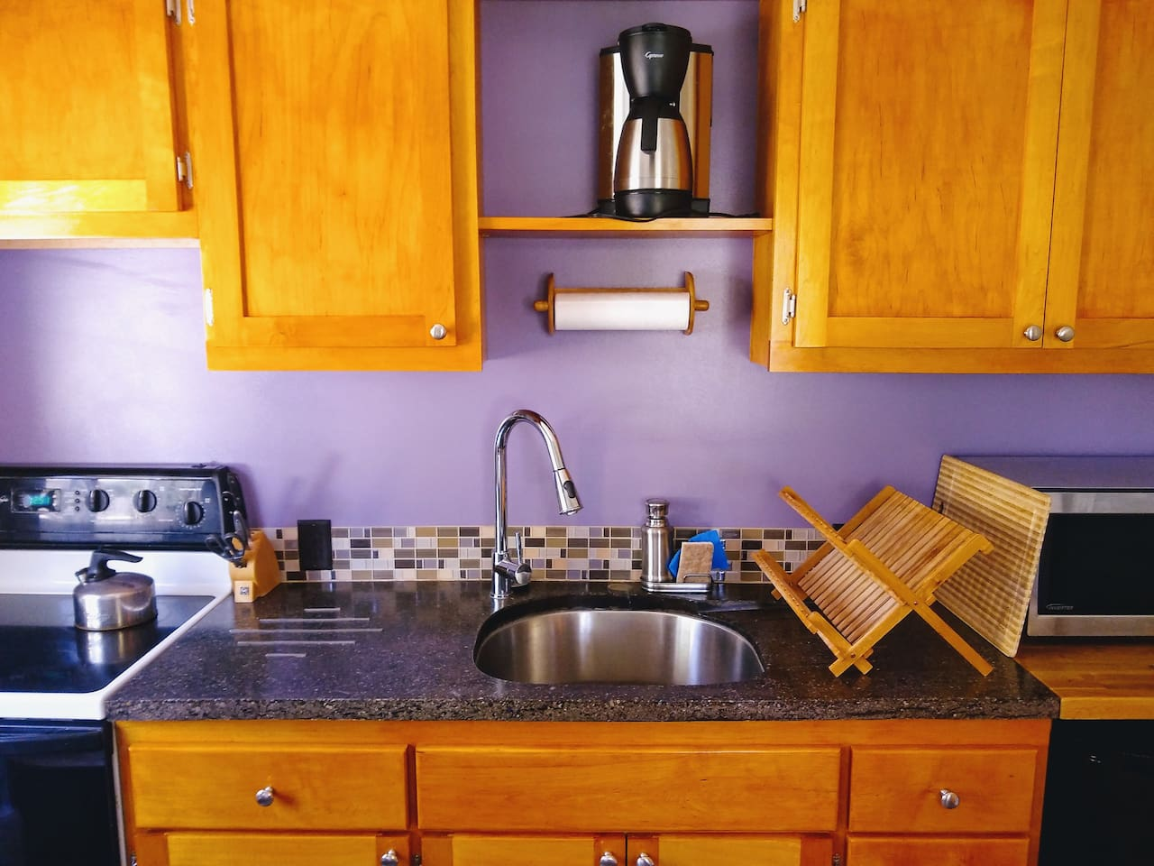 The kitchen has everything you need to feel at home.