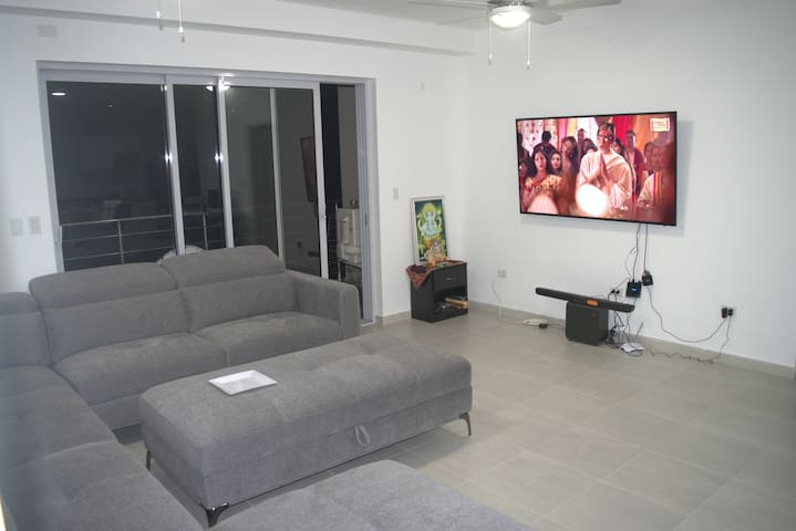 LIVING ROOM/with Entertainment (TV/SOUND SYSTEM)