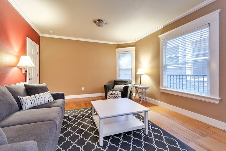 Downtown One Bedroom Condo In Historic Building