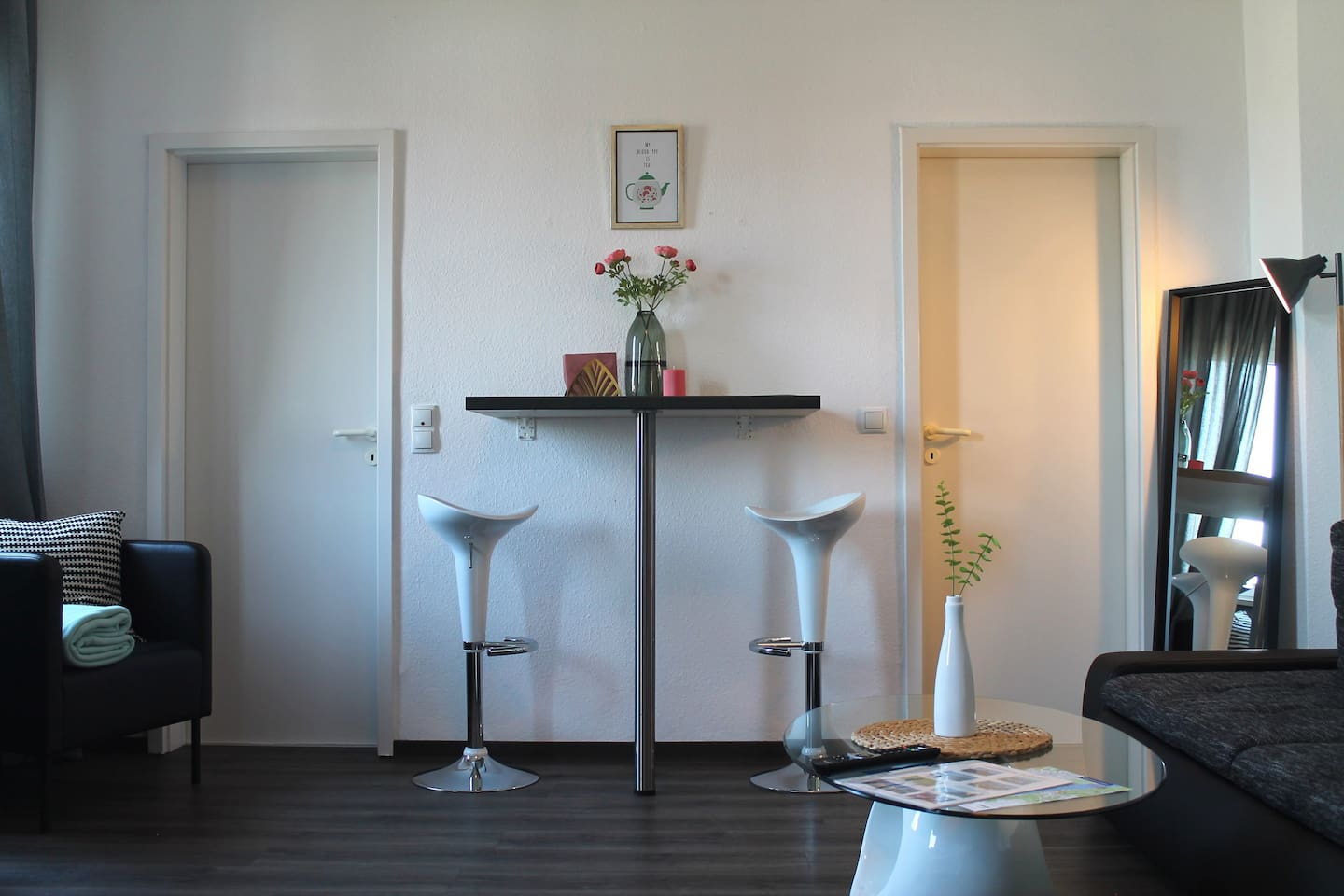 central, clean& cozy! 5 min walk to mall & main st
