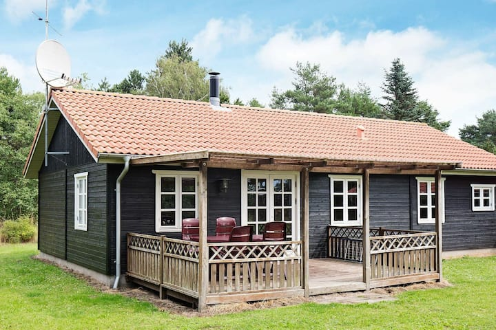 Magnificent Holiday Home in Rødby with Whirlpool
