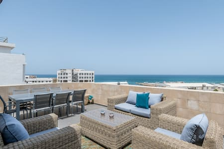 Amazing Terrace with Sea view & jacuzzi-Port TLV