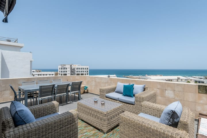 Amazing Terrace with sea view& HotTub!  Namal TLV