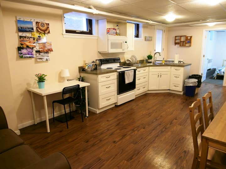 Lovely, cozy Wightman guest suite in Squirrel Hill