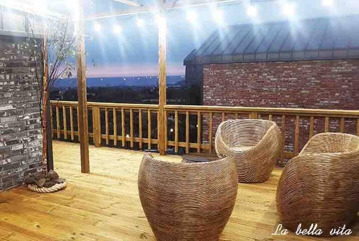 신규#애월# 환상의 루프탑이있는 럭셔리 독채하우스 숲속의 바베큐파티 아름다운 라벨라비타