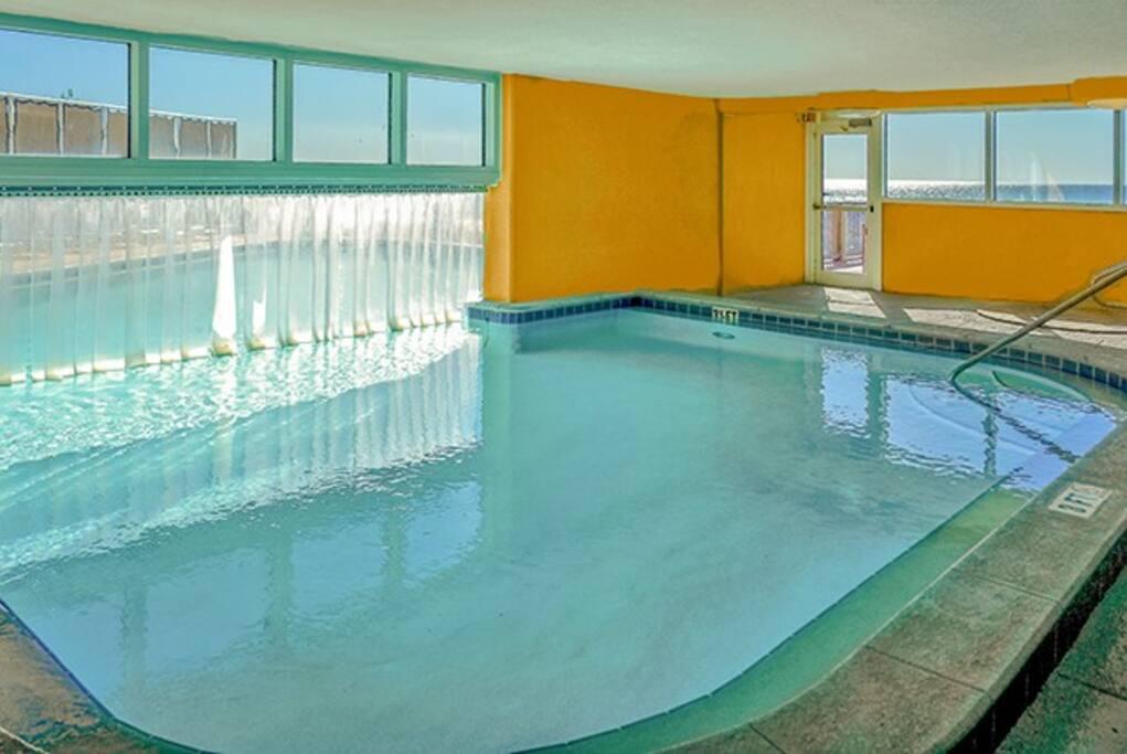 Pool,Resort,Swimming Pool,Water,Spa