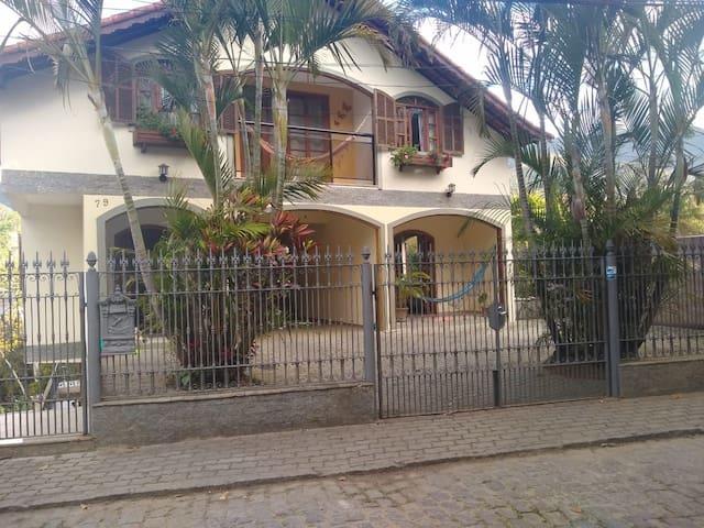 Aconchego no bairro mais charmoso da Serra.