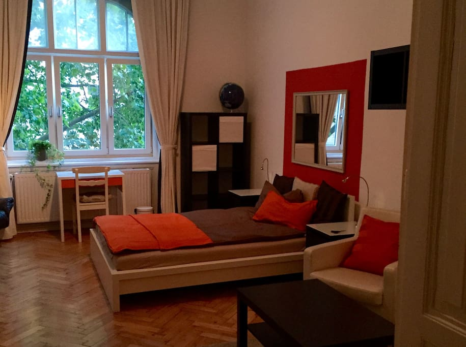 warm and cosy flat in a prime, quiet and green location in Vienna ...