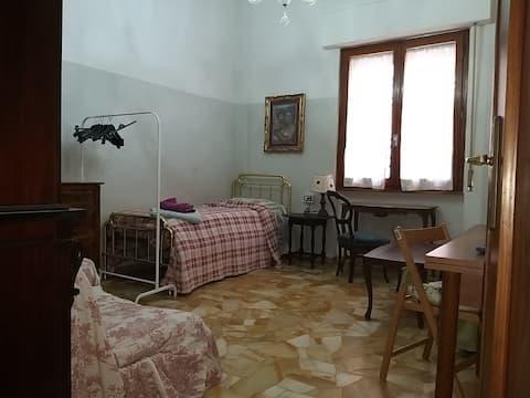 """""""Campo di Marte"""" - Bright, Confortable Single Room"""