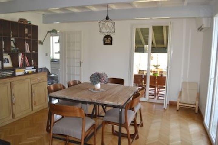 Grande Maison avec Piscine à 15 minutes Toulouse - Aussonne - Casa