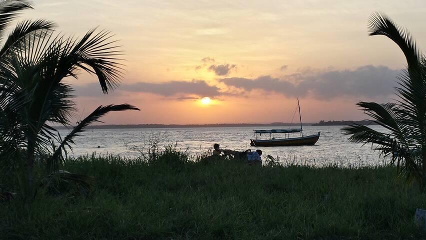 Casa em frente ao mar na ilha - Cacha Pregos