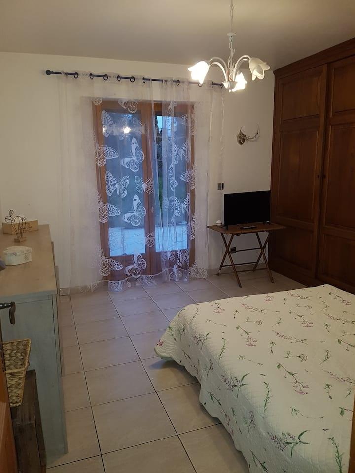 Chambre dans une villa à la campagne