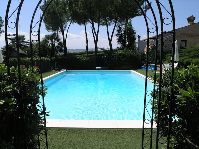 Appartamento Gardenia - Atri - Espais annexos
