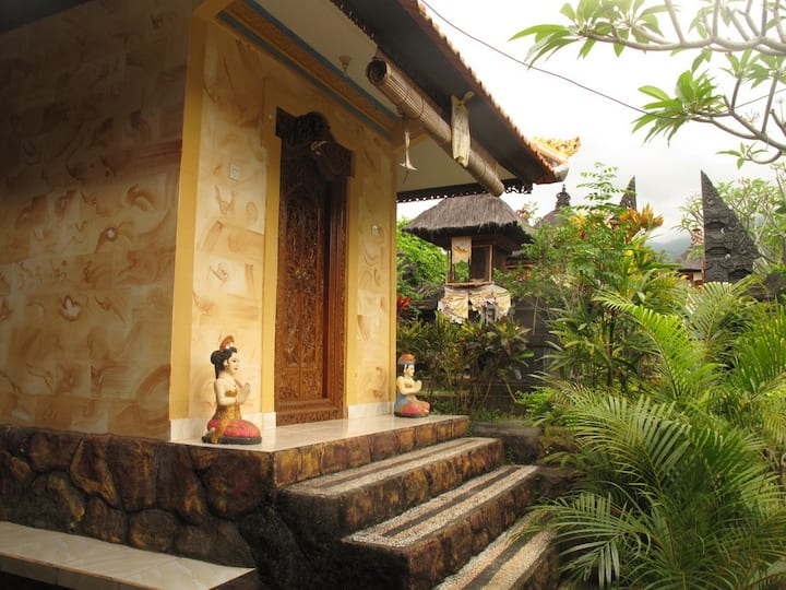 Beautiful balinese house, Aling Aling waterfalls