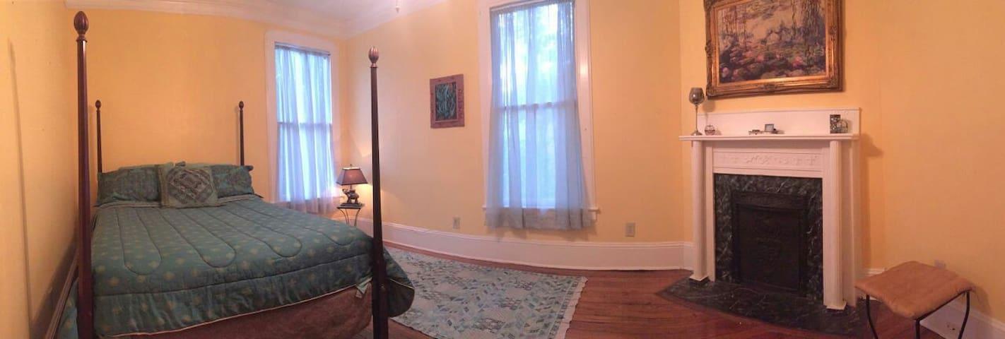 Vintage Victorian Brunswick Home - Room 1 - Брансуик - Дом