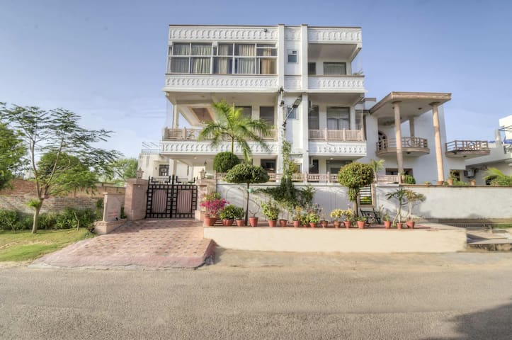 Harnava Haveli 2BR - DISINFECTED BEFORE EVERY STAY