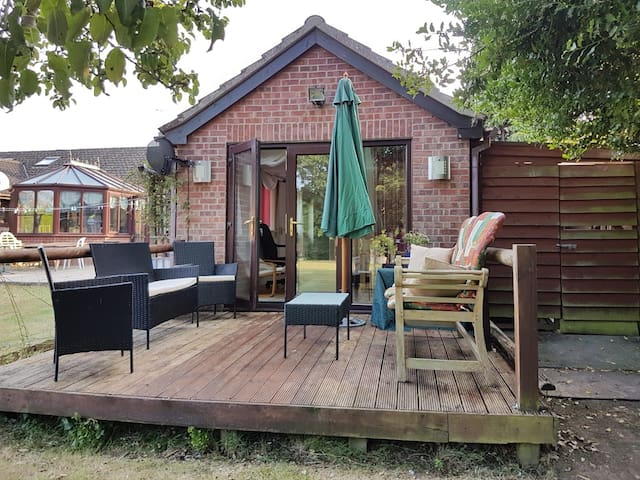 Beautiful self-contained cottage - Near Ipswich