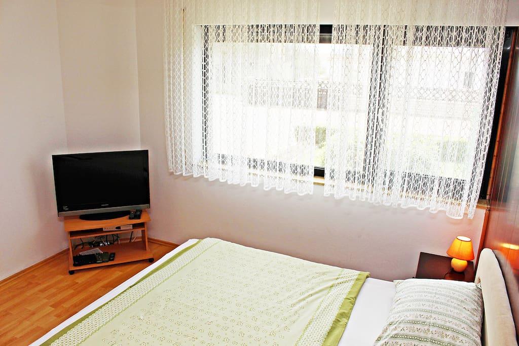 Bedrom & TV set