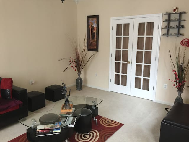 Shyam-Room-Hightstown - East Windsor - House