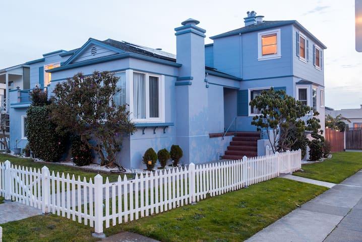 SF Charming Spacious  House Free Parking 4Bd&4.5Br