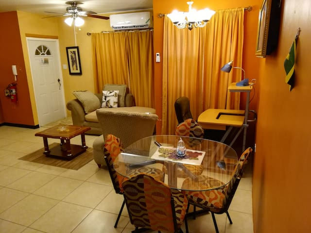 Your Comfy & Safe 2 Bedroom Apartment +Free pickup